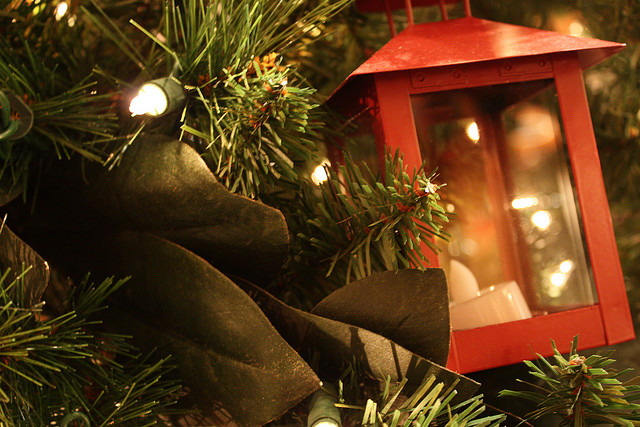 lantern-ornament-christmas