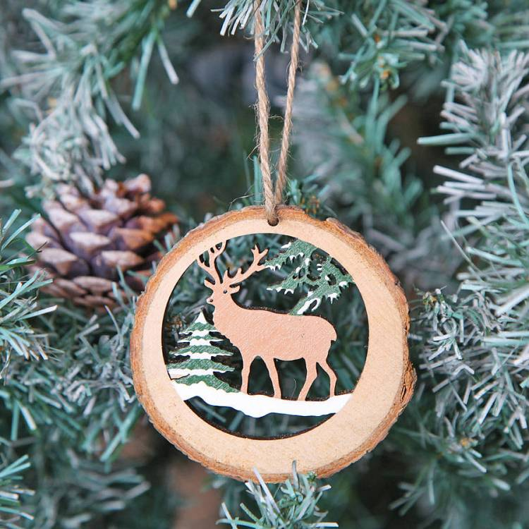 original_deer-themed-christmas-tree-decoration