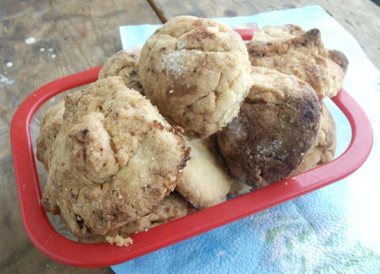 Плесканици - хрупкави сладки с пълнеж