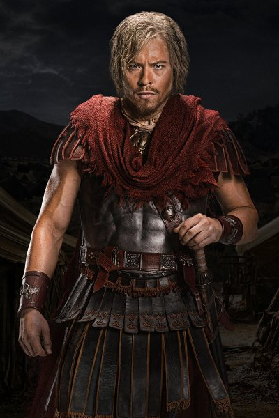 Тод Ласанс като Цезар